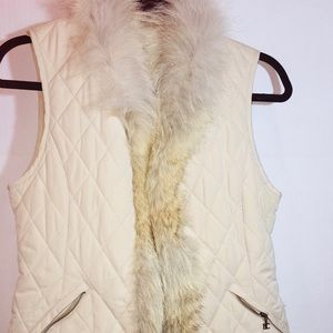 Vest with real fur